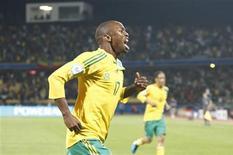 <p>Bernard Parker comemora gol da vitória da África do Sul sobre a Nova Zelândia por 2 a 0 na Copa das Confederações. REUTERS/Siphiwe Sibeko</p>