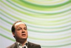 <p>Microsoft ha annunciato ieri che uno dei suoi principali dirigenti del settore videogame, John Schappert, tornerà alla sua precedente società, Electronic Arts. REUTERS/Robert Galbraith (UNITED STATES)</p>