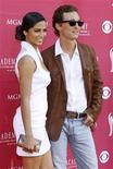 <p>Camila Alves and Matthew McConaughey arrive at the 44th Annual Academy of Country Music Awards in Las Vegas April 5, 2009. REUTERS/Steve Marcus</p>