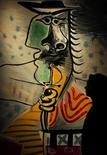 """<p>""""Homme A L'Epee"""" de Pablo Picasso en Christie's de Londres, 18 jun 2009. La subasta de arte impresionista y moderno de Sotheby's recaudó el miércoles 33,5 millones de libras esterlinas (55,1 millones), cifra que estaba dentro de sus estimaciones previas de entre 26,8 y 37,3 millones de libras. REUTERS/Kieran Doherty</p>"""