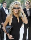 <p>L'attrice Farrah Fawcett in una foto del 2005 prima di un party a West Hollywood. REUTERS</p>