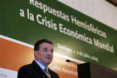 "<p>Canada's Finance Minister Jim Flaherty speaks during the ""Hemispheric Responses to Global Economic Instability"" conference in Santiago July 2, 2009. REUTERS/Víctor Ruiz Caballero</p>"