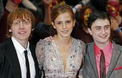 """<p>British actors Rupert Grint (L-R), Emma Watson and Daniel Radcliffe arrive for the world premiere of """"Harry Potter and the Half Blood Prince"""" at Leicester Square in London July 7, 2009. REUTERS/Luke MacGregor</p>"""