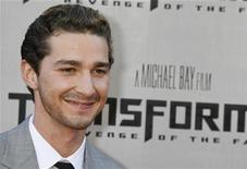 """<p>Actor Shia LaBeouf, star of """"Transformers: Revenge of the Fallen"""" poses at the film's premiere in Los Angeles, California June 22, 2009. REUTERS/Fred Prouser</p>"""