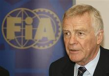<p>Presidente da Federação Internacional de Automobilismo (FIA), Max Mosley, em Paris. 24/06/2009. REUTERS/Gareth Watkins</p>