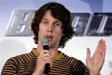 """<p>Jon Heder talks during a news conference at an ice skating rink to promote his film """"Blades of Glory"""" in Sydney June 6, 2007. REUTERS/Tim Wimborne</p>"""