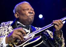 <p>B.B. King performs during the 43rd Montreux Jazz Festival in Montreux July 12, 2009. REUTERS/Valentin Flauraud</p>