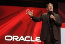 <p>Foto de arquivo do presidente da Oracle, Larry Ellison, durante conferência da empresa. O principal desenvolvedor de software da Oracle vai tirar uma licença de um ano para realizar um curso de administração pública. A saída dele acontece em um momento em que a companhia se prepara para o maior lançamento de produto de sua história de 32 anos.</p>