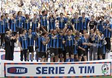 <p>L'Inter festeggia la vittoria dello scudetto. REUTERS/Alessandro Garofalo</p>