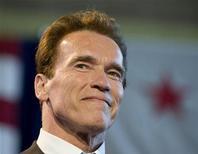 <p>Губернатор Калифорнии актер Арнольд Шварценеггер в городском собрании Лос-Анджелеса 19 марта 2009 года. REUTERS/Larry Downing</p>