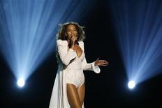 <p>Beyonce performs at the BET Awards '09 in Los Angeles June 28, 2009. REUTERS/Mario Anzuoni</p>