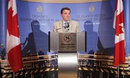 <p>Canadian Finance Minister Jim Flaherty speaks to the media in Toronto, June 26, 2009. REUTERS/Mark Blinch</p>