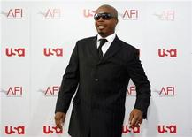 <p>M.C. Hammer arrives at the taping of the American Film Institute's 36th Life Achievement Award gala honoring Warren Beatty at the Kodak theatre in Hollywood, California June 12, 2008. REUTERS/Mario Anzuoni</p>