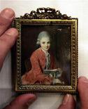 <p>Ritratto in miniatura di Wolfgang Amadeus Mozart. REUTERS/Siggi Bucher</p>
