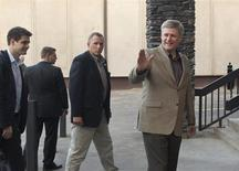 <p>Canadian Prime Minister Stephen Harper (R) gestures as he arrives in Iqaluit, Nunavut on Baffin Island August 17, 2009. REUTERS/Andy Clark</p>