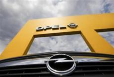 <p>The emblem of an Opel vehicle is pictured in front of an Opel car dealer in Himmelkorn, near Leipzig August 9, 2009. Picture taken August 9, 2009. REUTERS/Pawel Kopczynski</p>