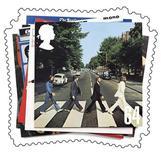 """<p>Foto de archivo de la portada del disco """"Abbey Road"""" de The Beatles en un sello especial emitido por el correo Real Británico, 9 ene 2007. El ex Beatle Paul McCartney describió los rumores sobre su muerte, los que surgieron hace casi 40 años como """"ridículos"""" y """"un riesgo laboral"""" para un miembro de una de las mayores bandas del mundo. REUTERS/Royal Mail/Handout</p>"""