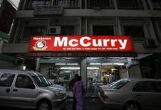 <p>Un ristorante McCurry a Kuala Lumpur. REUTERS/Bazuki Muhammad</p>