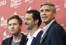 """<p>Director Grant Heslov (C) and actors Ewan McGregor (L) and George Clooney attend the """"The Men Who Stare At Goats"""" photocall at the Palazzo del Casino during the 66th Venice Film Festival September 8, 2009. REUTERS/Alessandro Bianchi</p>"""