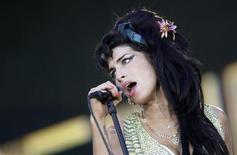 """<p>Певица Эми Уайнхаус на фестивале """"Rock in Rio"""" близ Мадрида 4 июля 2008 года. 14 сентября 1983 года родилась английская певица Эми Уайнхаус. REUTERS/REUTERS//Juan Medina</p>"""