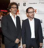 """<p>Братья Коэны на премьере своего фильма """"Серьезный человек"""" на Международном кинофестивале в Торонто 12 сентября 2009 года. Если вам кажется, что у вас очень тяжелая жизнь, будьте благодарны за то, что ею не управляют американские режиссеры-оскароносцы, братья Джоэль и Итан Коэны. Иначе все было бы гораздо хуже. REUTERS/Mark Blinch</p>"""