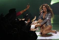 "<p>Beyonce performs ""Single Ladies"" at the 2009 MTV Video Music Awards in New York in this September 13, 2009 file photo. REUTERS/Gary Hershorn</p>"