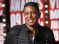 <p>Jermaine Jackson arrives at the 2009 MTV Video Music Awards in New York, September 13, 2009. REUTERS/Eric Thayer</p>
