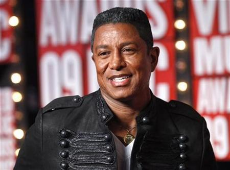Jermaine Jackson arrives at the 2009 MTV Video Music Awards in New York, September 13, 2009. REUTERS/Eric Thayer