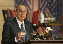 <p>O ex-presidente francês Jacques Chirac fala durante fórum em Doha. Chirac apresentou nesta terça-feira sua fundação para a preservação de línguas raras, com o objetivo de produzir filmes e lançar um site na Internet.03/05/2009.REUTERS/Osama Faisal</p>