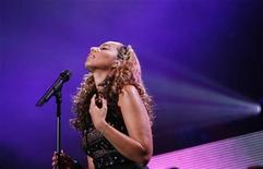 <p>British singer Leona Lewis performs during the Z100 Jingle Ball in New York December 12, 2008. REUTERS/Lucas Jackson</p>