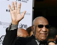 <p>Comedian Bill Cosby waves as he arrives for the Apollo Theatre's 75th anniversary gala in New York, June 8, 2009. REUTERS/Lucas Jackson</p>