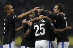<p>Jogadores do Manchester United comemoram gol da vitória sobre o CSKA. REUTERS/Grigory Dukor</p>