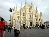 <p>Una donna musulmana a Milano in Piazza Duomo. REUTERS/Alessandro Garofalo</p>