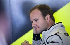 <p>Rubens Barrichello durante treino da Brawn GP em Abu Dhabi, outubro de 2008. Barrichello vai começar um novo capítulo em sua carreira de recordes na Fórmula 1 no ano que vem como piloto da Williams, ao lado do alemão Nico Hulkenberg REUTERS/Caren Firouz</p>