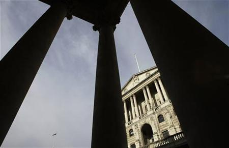 A view of the Bank of England in the city of London March 5, 2009. REUTERS/Stefan Wermuth
