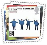 """<p>Foto de archivo de un sello postal emitido por el Correo Real Británico con la portada del disco """"Help!"""" del grupo The Beatles, 9 ene 2007. Siete fotografías en blanco y negro de The Beatles sentados en un campo de hierba, tomadas por una adolescente en el último día del rodaje de su película """"Help!"""", serán puestas a la venta la próxima semana, dijo una casa de subastas británica. REUTERS/Royal Mail/Handout</p>"""
