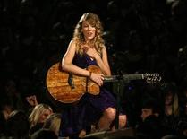 """<p>Singer Taylor Swift performs """"Fifteen"""" at the 43rd annual Country Music Association Awards in Nashville November 11, 2009. REUTERS/Tami Chappell</p>"""