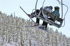 <p>People ride a ski lift at Taos Ski Valley, New Mexico, December 2007. REUTERS/Christa Cameron</p>