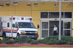 <p>Ambulância estacionada do lado de fora do Health Central Hospital, em Occoee, na Flórida, para onde foi levada uma mulher não identificada que saiu da casa do golfista Tiger Woods REUTERS/Scott Audette</p>