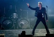 <p>Johnny Hallyday durante un concerto. REUTERS/Philippe Wojazer</p>