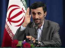 <p>Iran's President Mahmoud Ahmadinejad listens to a reporters questions during a news conference in New York, September 25, 2009. REUTERS/Lucas Jackson</p>