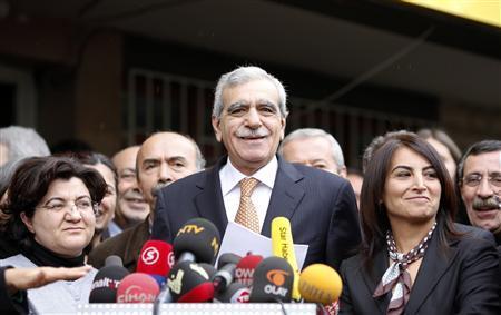 Clashes erupt as Turkey bans Kurdish party