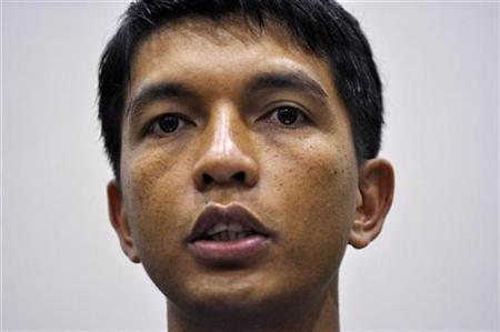 Madagascar leader tears up power-sharing deals
