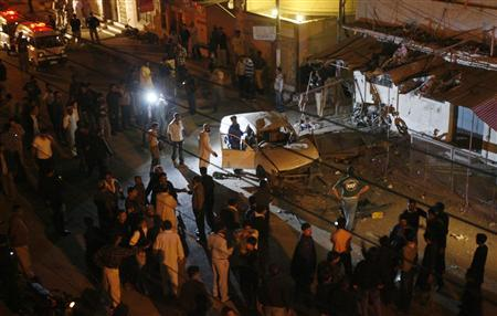 Car bomb wounds 19 in Pakistan's commercial capital