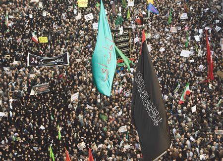 Hundreds of thousands at pro-government rallies in...