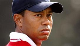 <p>A AT&T informou nesta quinta-feira que está dando fim a seu acordo de patrocínio com o golfista Tiger Woods, unindo-se a uma série de empresas que se afastaram dele após um escândalo sexual. REUTERS/Shaun Best/Files (UNITED STATES - Tags: SPORT GOLF)</p>