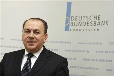 Axel Weber, President of German Bundesbank, poses for the media before the annual news conference in Frankfurt March 10, 2009. REUTERS/Johannes Eisele