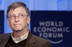 <p>O fundador da Microsoft, Bill Gates, participa de sessão em Davos. A Microsoft divulgou nesta quinta-feira um lucro trimestral 60 por cento maior, com ajuda das vendas do novo sistema operacional Windows 7.29/01/2010.REUTERS/Christian Hartmann</p>