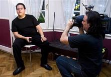 <p>Sebastian Marroquin, son of deceased Colombian drug lord Pablo Escobar Gaviria, speaks during an interview in Buenos Aires, November 6, 2009. REUTERS/Enrique Marcarian</p>