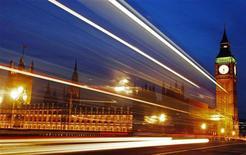 <p>Il Parlamento britannico. REUTERS/Luke Macgregor (BRITAIN - Tags: CITYSCAPE POLITICS SOCIETY TRAVEL IMAGES OF THE DAY BUSINESS)</p>
